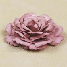 """I never get tired of looking at or making paper roses.so many different styles and ways to make them. Garden of Grace: """"Full Open Rose"""" Tutorial How To Make Paper Flowers, Crepe Paper Flowers, Paper Roses, Fabric Flowers, Burlap Flower Tutorial, Rose Tutorial, Faux Flowers, Diy Flowers, Flower Diy"""