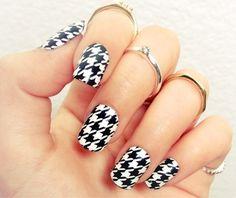 Cool pattern nail art