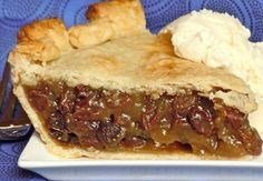 Old Fashioned Raisin Pie pastry for deep dish double crust pie 4 cups raisins 4 cups water 1 cup brown sugar 5 Tbl cornstarch 1 tsp cinnamon tsp salt 2 tsp lemon juice 3 Tbl butter 1 tsp vanilla Just Desserts, Dessert Recipes, Bon Dessert, Dessert Pizza, Fruit Pie, Fruit Salad, Sweet Pie, Chocolate Pies, White Chocolate