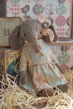 Marie By Natali Sekreta - Bear Pile