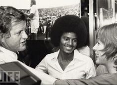 Ted Kennedy, Michael Jackson, and Shirley MacLaine chat on August 26, 1977.