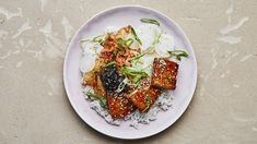Crispy tofu with maple soy glaze: Whenever you're cooking tofu, here's one of our no-fail techniques: Draining the tofu, then squeezing out as much water as possible (without smashing it), is the key to the crispiest cubes. Eggplant Dishes, Tofu Dishes, Vegan Dishes, Tasty Dishes, Best Tofu Recipes, Vegetarian Recipes, Vegetarian Dinners, Healthy Recipes, Chef Recipes
