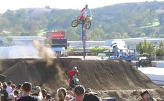 Travis Pastrana RMZilla vs Josh Hansen - Red Bull Straight Rhythm