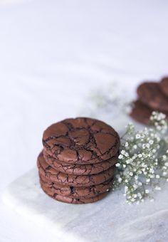 Recettes des Cookies au chocolat ultra moelleux Flan Dessert, Cookies Et Biscuits, Paris, Chocolate, Lifestyle, Desserts, Food, Sweet Recipes, Tailgate Desserts