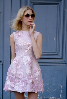 Street style and fashion trends - Lelook feat. Elena Perminova at Paris Fashion Week (Fall2013)