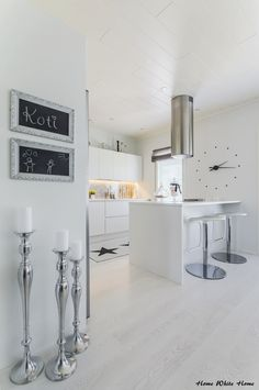 White and silver in my kitchen Living Room Kitchen, Dining Room, White Houses, White Decor, My Dream Home, Sweet Home, Interior Design, Kitchen Ideas, Modern Interiors