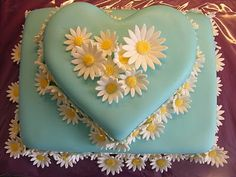 No Ordinary Cake: LOVE this cake......Tiffany blue AAAAAAND daisies?? Get out!!!!!