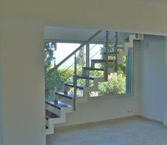 Escalier bois et métal à limon crémaillère thermo-laqué noir, et ...