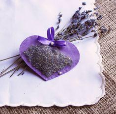 Lavender Sachet Heart Sachet Felt Herbal Sachet by MadeinCrimea Lavender Cottage, Lavender Garden, Lavender Bags, Lavender Sachets, Lavender Flowers, Lavender Crafts, Lavender Wreath, Lavenders Blue Dilly Dilly, Pot Pourri