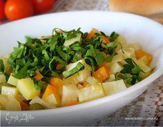 Сельдерей, тушенный в апельсиновом соке. Ингредиенты: морковь крупная, картофель, лук репчатый