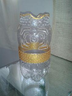 Jarrón botella de plástico