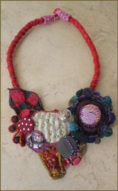 i am so in love with this fiber art necklace!