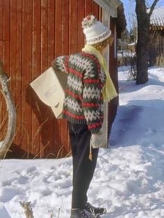 Textiles, How To Purl Knit, Vintage Knitting, Yarn Crafts, Mittens, Knitwear, Retro Vintage, Winter Hats, Crochet Hats