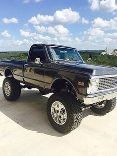 1971 Chevrolet Chevy big block built omg that is sweeetttt Gmc Trucks, Lifted Chevy Trucks, Classic Chevy Trucks, Chevrolet Trucks, Cool Trucks, Pickup Trucks, Gmc Suv, Diesel Trucks, Chevy K10
