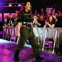 Lita Wwe Lita, Wwe Trish, Wrestlemania 29, Trish Stratus, Wwe Female Wrestlers, Charlotte Flair, Royal Rumble, Wwe Womens, Women's Wrestling