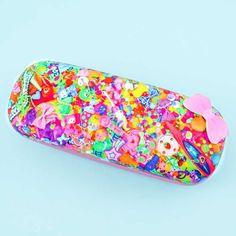 6%DOKIDOKI Rainbow Stash Eyeglass Hard Case - Blippo Kawaii Shop Kawaii Illustration, Kawaii Accessories, Organiser Box, Kawaii Shop, Welcome Gifts, Cute Cases, Japanese Beauty, Hanging Out, Rainbow Colors