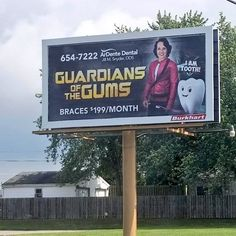 Signs, advertisements and billboards are a weird game. Every joke advertisement is a bit of a risk. Some are dumber than others. Dc Memes, Marvel Memes, Funny Memes, Jokes, Funny Comedy, Funny Fails, Videogames, Funny Signs, Guardians Of The Galaxy