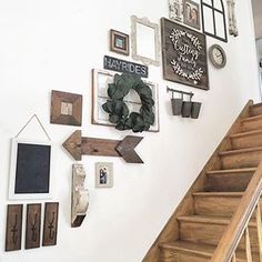 44 Beautiful Farmhouse Wall Decoration Ideas To Manage Your Home Stairway Decorating Beautiful Decoration Farmhouse Home Ideas Manage Wall Staircase Wall Decor, Stairway Decorating, Stair Decor, Foyer Decorating, Staircase Ideas, Wall Decor For Stairway, Foyer Wall Decor, Rustic Staircase, Entryway Stairs