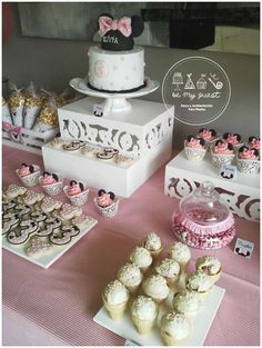 Minnie Mouse birthday party sweets! See more party planning ideas at CatchMyParty.com!