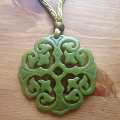 Green pendant necklace Green pendant necklace! Nice for holiday gatherings Jewelry Necklaces