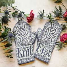 Knit fast mittens - Ravelry: Knit fast mittens pattern by The Knitting Barber The Effective Pictures We Offer You About - Knitted Mittens Pattern, Fair Isle Knitting Patterns, Knitting Blogs, Knit Mittens, Crochet Patterns For Beginners, Knitted Gloves, Loom Knitting, Knitting Stitches, Hand Knitting