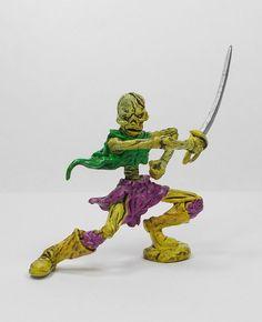 Monster In My Pocket 33 Skeleton (1) 2nd Gen 2006 RPG D&D Figure