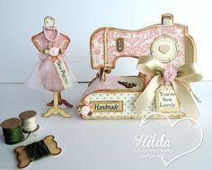 Hilda Designs: Reto #30 en LAC: Costura Femenina, UN WITH DRESS FORMS y SEWING MACHINE SET de The Cutting Café