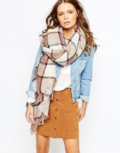 Oversized plaid scarf = huge yes