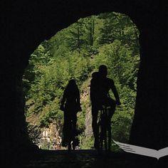 🚵♀️ Radelt – Join in the world of pin Mountain Biking, Nationalparks, Bahn, Mtb, World, Painting, Small Cabins, Wilderness, Mountain Range