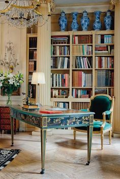 """Inside Victoria Press's Home at Cheyne Walk - Cheyne Walk's """"Morning Room"""" featured blue and white garniture on top of - The New York Times Home Theaters, Home Libraries, Chinoiserie Chic, Plywood Furniture, Furniture Decor, Painted Furniture, Elegant Homes, Home Office Decor, Office Ideas"""