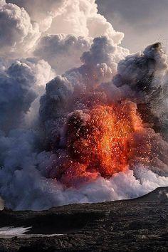 Kilauea Volcano Eruption, Hawaii Volcanoes National Park, Big Island of Hawaii Hawaii Volcanoes National Park, Volcano National Park, National Parks, All Nature, Science And Nature, Amazing Nature, Big Island Hawaii, Volcan Eruption, Erupting Volcano