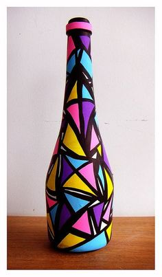 #2 Painted Glass Bottles, Glass Bottle Crafts, Wine Bottle Art, Diy Bottle, Recycled Glass Bottles, Decorated Bottles, Pottery Painting Designs, Glass Painting Designs, Art N Craft