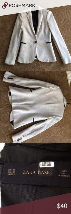 Zara Blazer Beautiful blazer. Wore once and no longer fits me unfortunately. Great piece! Zara Jackets & Coats Blazers