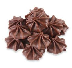 Brachs Milk Chocolate Stars Candy Drops: Bag / Sure do miss these, but it looks like I might have to order some and make cookies! Retro Candy, Vintage Candy, Vintage Holiday, Chocolate Stars, Hot Chocolate, Chocolate Liquor, Bulk Candy, Candy Store, My Childhood Memories