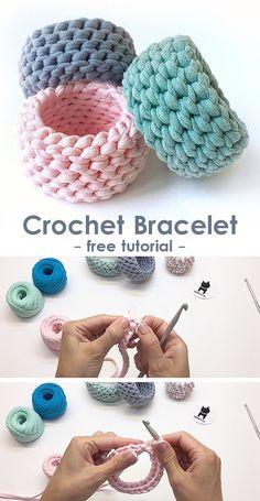 Bracelet crochet tutorial Learn how to crochet this bracelet. Crochet Tutorial, Crochet Diy, Learn To Crochet, Crochet Gifts, Yarn Projects, Knitting Projects, Crochet Projects, Knitting Patterns, Crochet Patterns