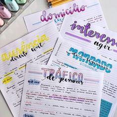 Um bullet jornal nada mais é do que um caderno que você usa fazer uma coisa . Bullet Journal Agenda, Bullet Journal School, Bullet Journal Inspiration, Bullet Journal Revision, Cute Notes, Pretty Notes, Journal Fonts, My Journal, Journal Ideas