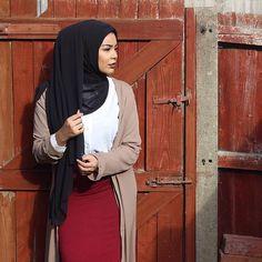 Summer needs to hurry up Hijab & cardi: @veronacollection
