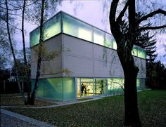Herzog De Meuron - Goetz Gallery, Munich http://www.futuristicarchitectureprojects.com/