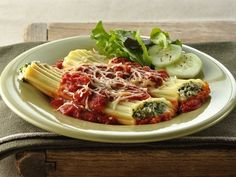 Spinach Manicotti ~ only 340 calories for 2 of them!! O.o.