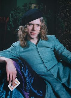 VINTAGE PHOTOGRAPHY: David Bowie - The Man Who Sold the World 1971