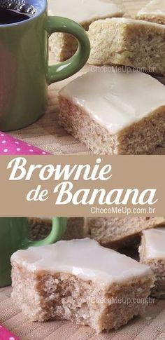 Banana Brownie Recipe with Gluten Free Option - Recipes .- Receita de Brownie de Banana com Opção sem Glúten – Receitas ChocoMeUp! A dense, moist banana cake with icing sugar, very easy to make and very tasty. Banana Brownies, Brownie Cake, Sweet Desserts, Sweet Recipes, Dessert Recipes, Salty Cake, Cake Toppings, Savoury Cake, Brownie Recipes