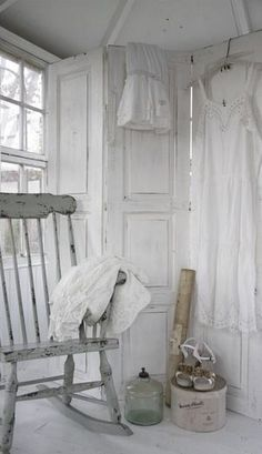 Love this rocker, maybe I could do this (distress look) w/ my rocker in the attic in Savannah home