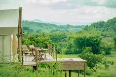 Glamping in Colombia is an incredible experience, because this country has an immense variety of landscapes and climates. San Gil, Glamping, Camping Con Glamour, Cabana, Villa, Mountains, Travel, Aurora, Ideas