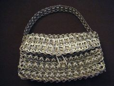 How to pop tab purse  http://www.cutoutandkeep.net/projects/pop-tab-purse
