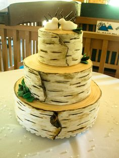 Birch tree wedding cake photo 3