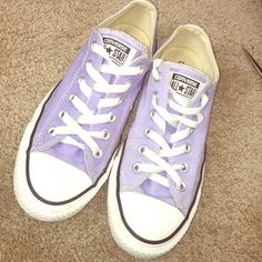 Converse Low converse, only been worn a couple times! They don't fit me anymore:( Converse Shoes Sneakers