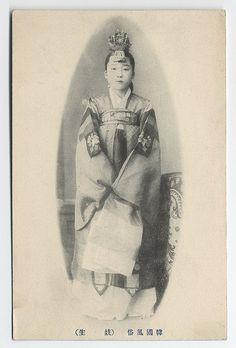 kisaeng Dancing girl by Cornell University Library, via Flickr