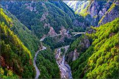 Cetatea Poenari, Locul în Care Istoria se Contopeşte cu Misterul Amazing Pics, River, Nature, Outdoor, Outdoors, Naturaleza, Rivers, Outdoor Games, Off Grid