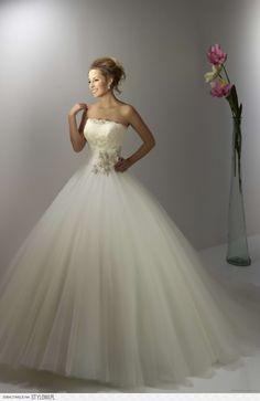 najpiękniejsze suknie slubne 2013 - Szukaj w Google na Stylowi.pl