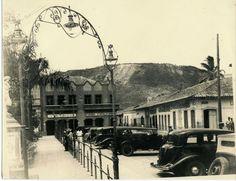 Store photos and docs online. Tegucigalpa, Honduras, Homeland, America, Ancestry, City, Old Photos, Antique Photos, Parks